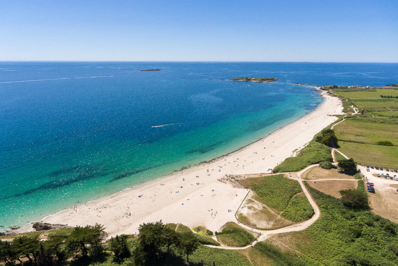 Strand Bretagne - Les Deux Fontaines, glamping.nl
