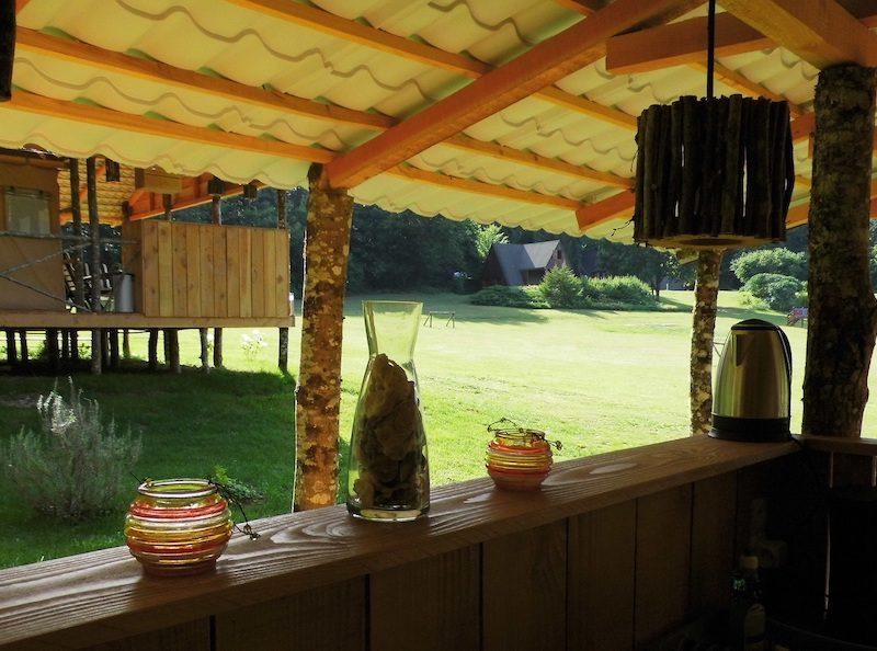 Terras Safari lodge - Vakantiepark Platus, glamping.nl