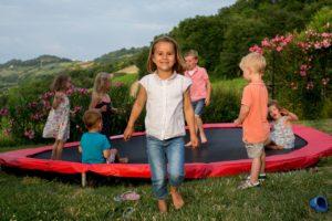 Trampoline speeltuin kids - Villa Alwin, glamping.nl