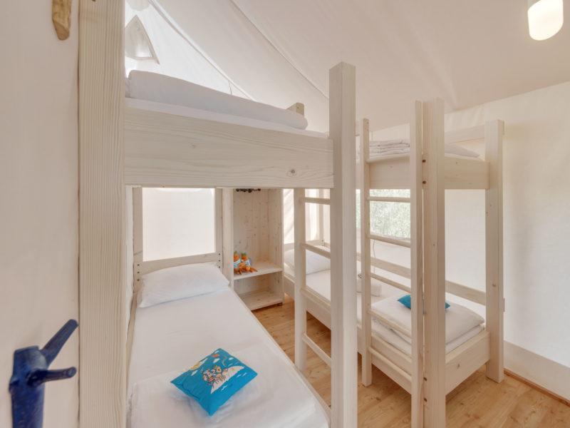 Stapelbedden glamping accommodatie - Istra Premium Glamping resort, glamping.nl