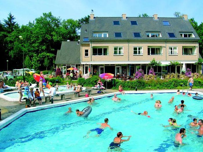 bonte-vlucht-zwembad-2