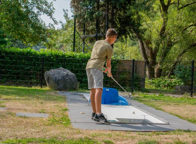 Minigolf - Camping Le Confluent, Glamping.nl