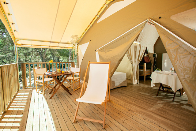 Terras coco tent - Torre De La Mora, Glamping.nl