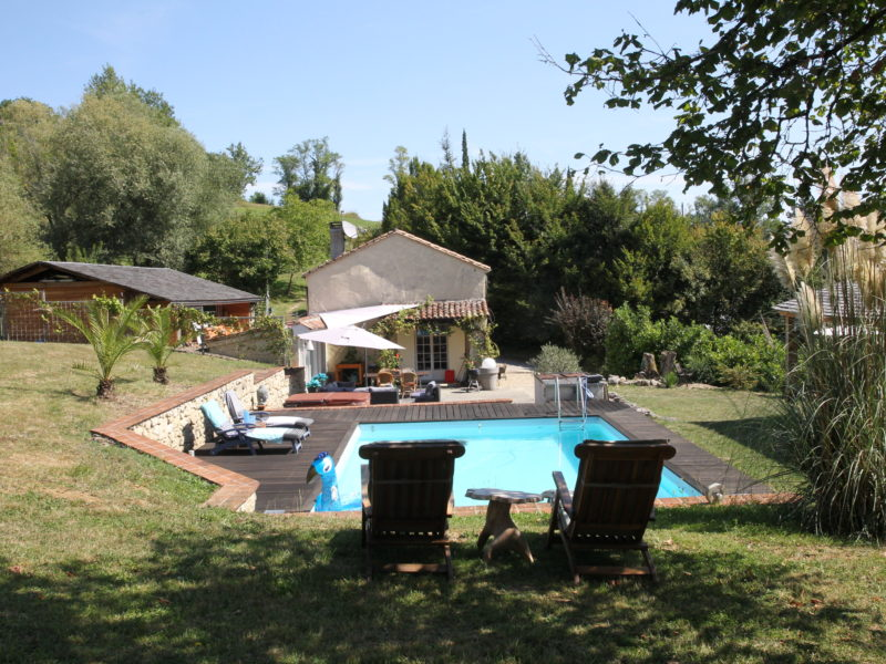 Aanzicht zwembad - Petit Piquepe