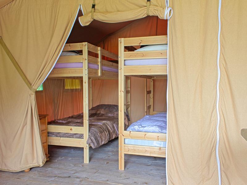 Slaapkamer kids safaritent - Camping de berghoeve, Glamping.nl