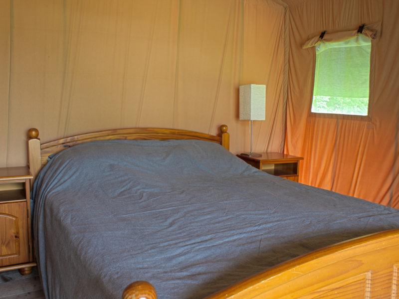 Slaapkamer safaritent - Camping de berghoeve, Glamping.nl