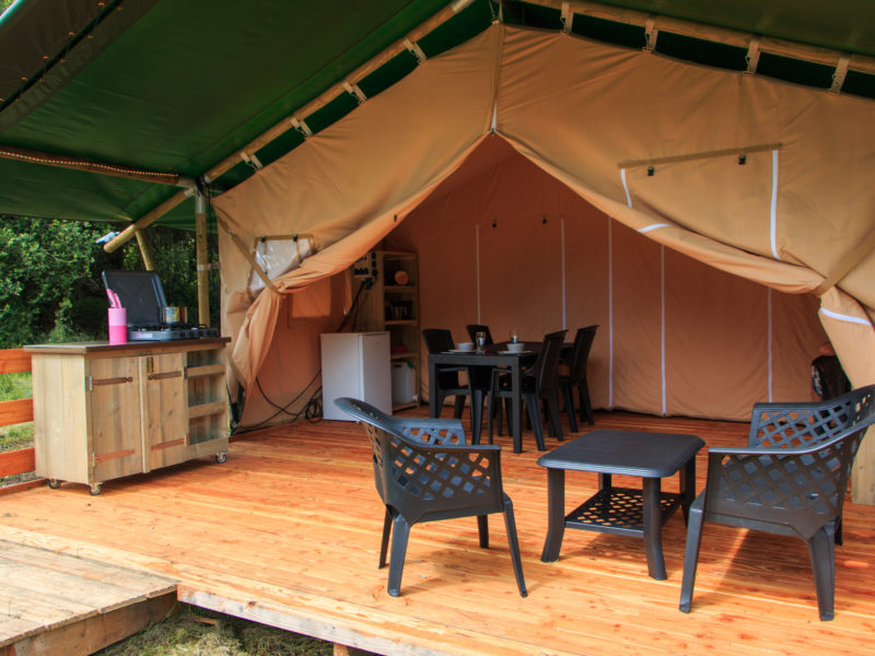 Inrichting safaritent - Camping La Jaurie, Glamping.nl