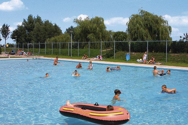 de-scherpenhof-zwembad
