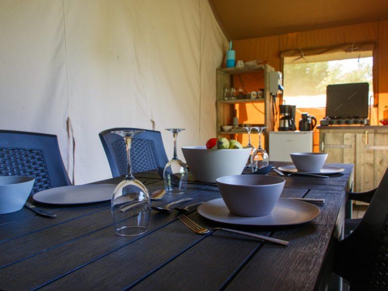 safaritent-eettafel
