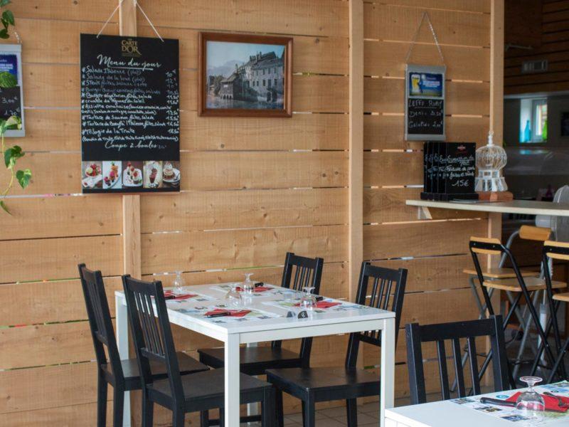 Restaurant - Villatent La Roche d'Ully, glamping.nl