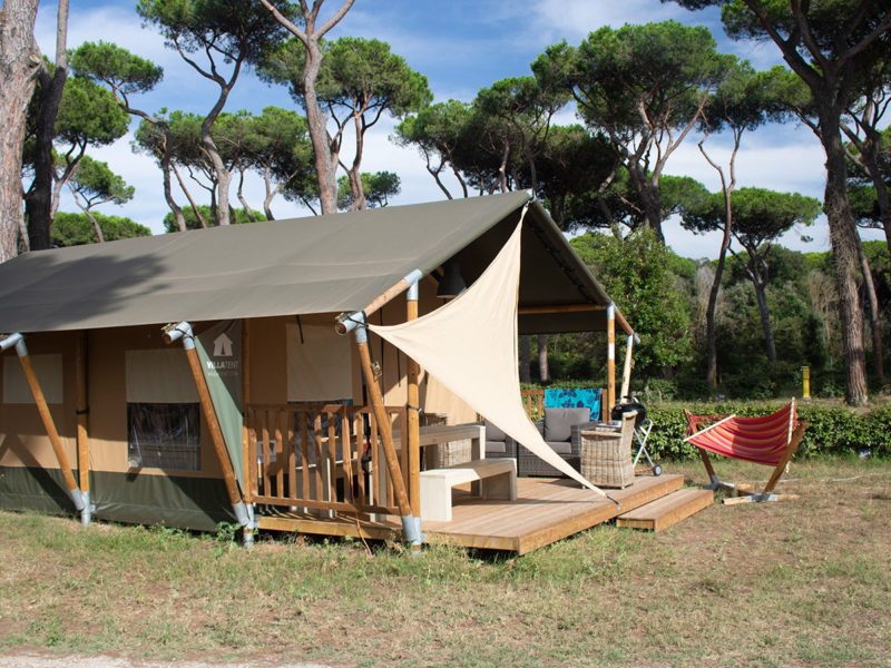 Luxe villatent XL met sanitair - Roma Capitol, glamping.nl