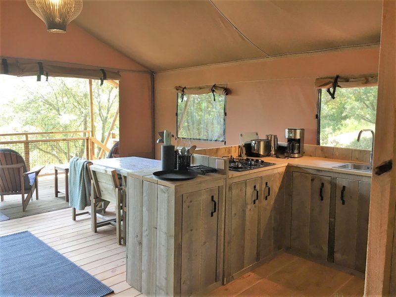 Keuken safaritent - Aux Quatrefeuilles d'Oc - Glamping