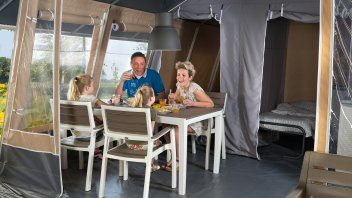 Inrichting lodgetent deluxe - Country Camp Begur, Glamping.nl