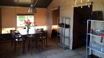 Inrichting safaritent deluxe - Country Camp Begur, Glamping.nl