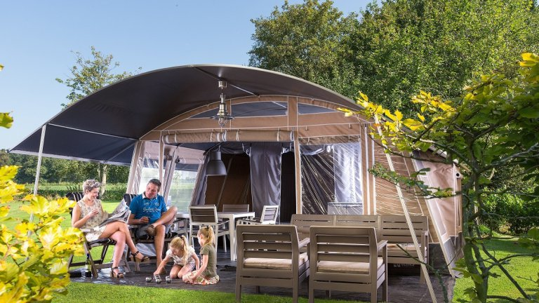 Lodgetent deluxe - Country Camp Begur, Glamping.nl