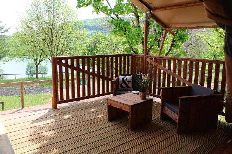 Safaritent met uitzicht op Lac du Causse