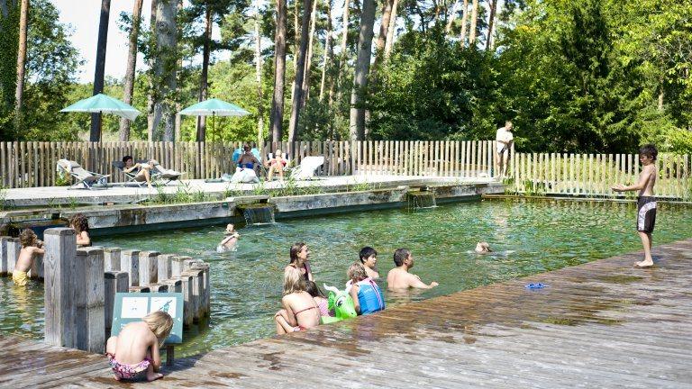 Natuurzwembad - Huttopia Camping Rambouillet, glamping.nl