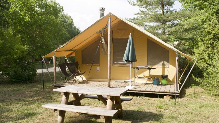 Safaritent Trappeur - Huttopia Camping Rambouillet, glamping.nl