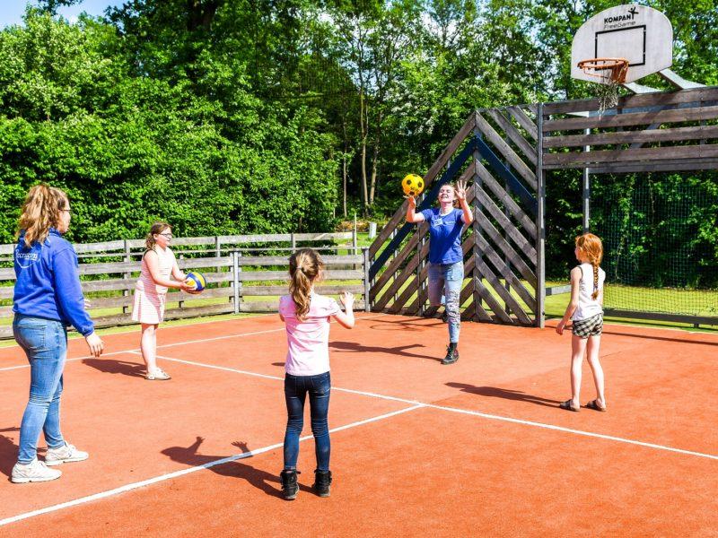 tennisbaan camping
