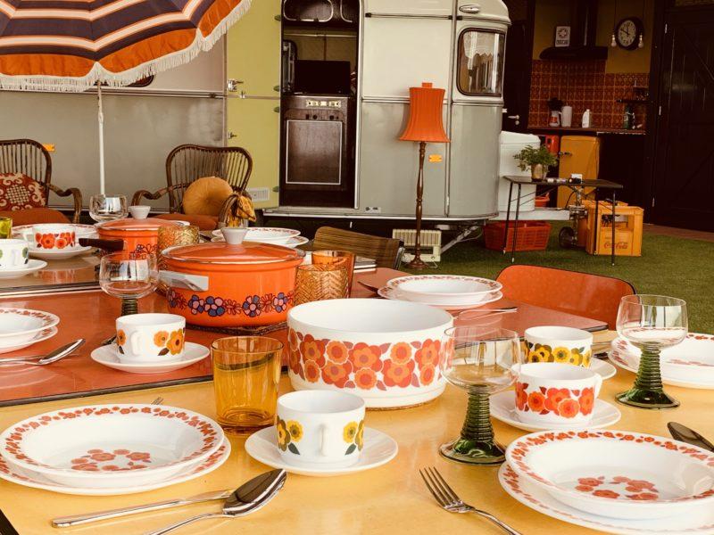 gedekte tafel - Vintage Vacation - Glamping