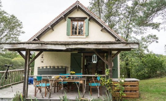 Poacher's Cabin - Glamping.nl