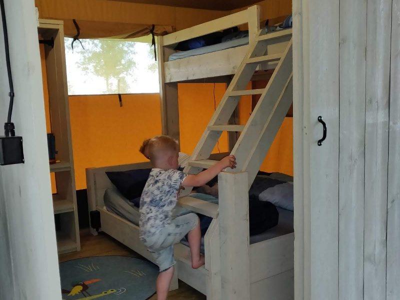 Slaapkamer kinderen safaritent - Glamping De Vos