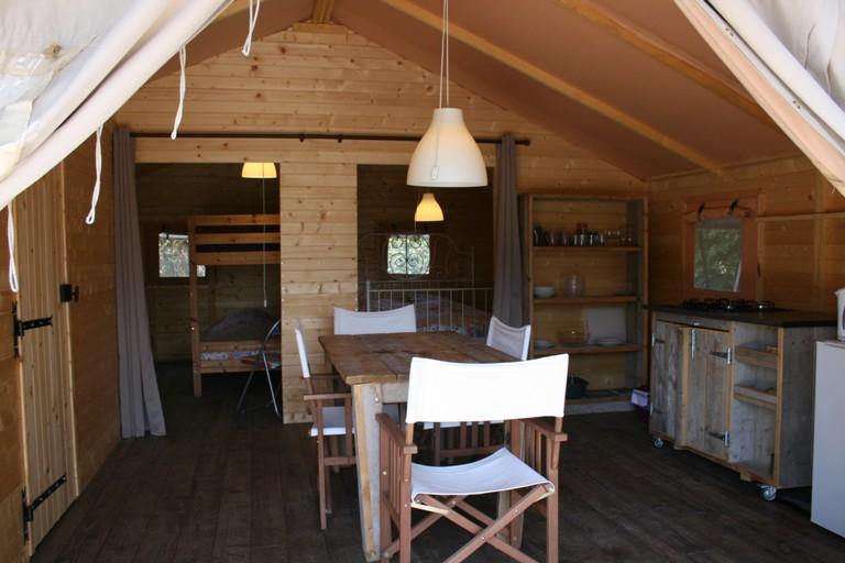 Woonkamer safaritent - Domaine des Hirondelles