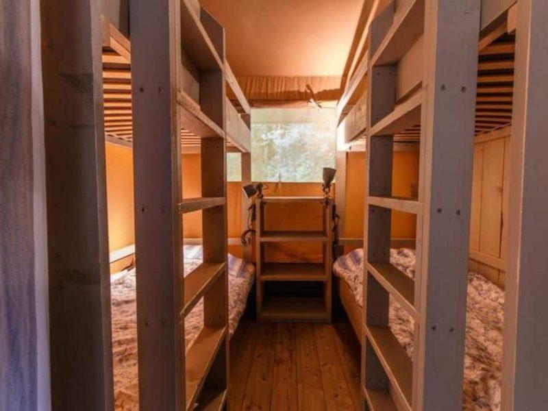 slaapkamer safaritent - de Vechtvallei