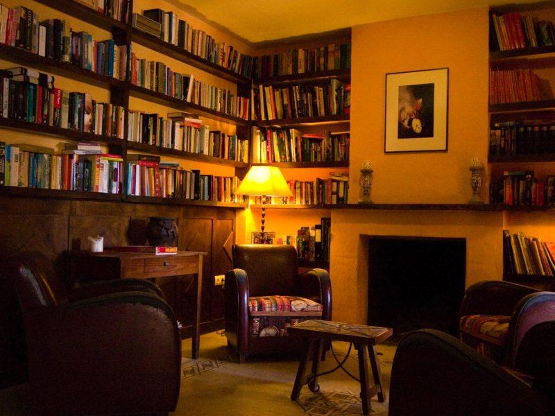 Bibliotheek - Casa del Mundo - Glamping.nl
