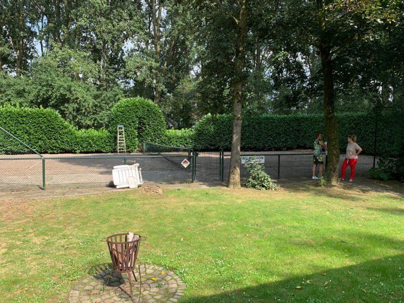 Buitengoed Ruysbos - tennisbaan - Glamping.nl