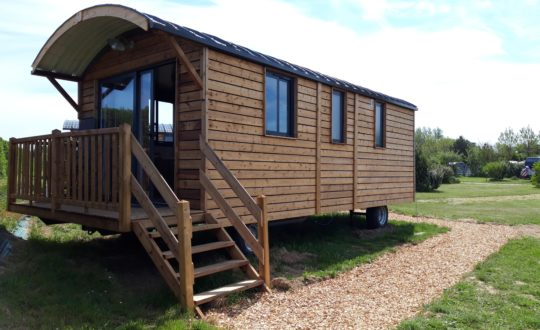 Huttopia Les Falaises – Normandie - Glamping.nl