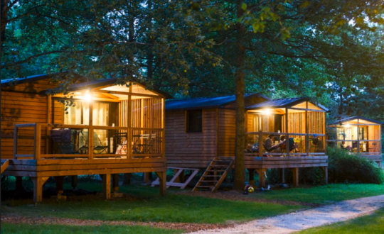Huttopia Les Châteaux - Glamping.nl