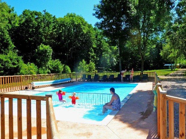 Foto van zwembad Au Mica in Frankrijk