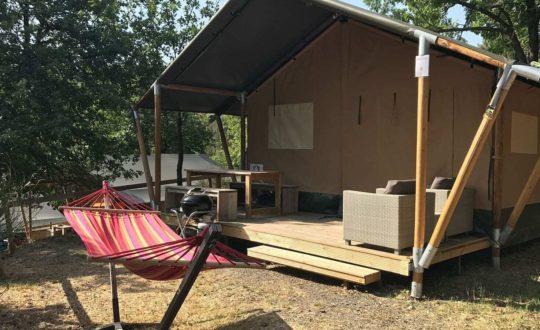 Wat zijn de verschillen tussen een glamping en een camping?